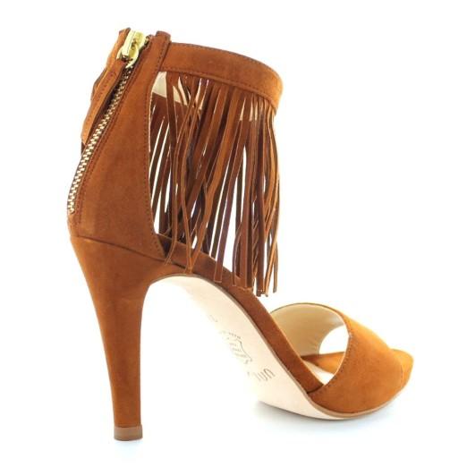 Sandalias con flecos de Unisa, pura moda en los pies