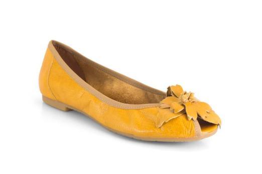 Bailarinas de un alegre color amarillo de la marca Mikaela