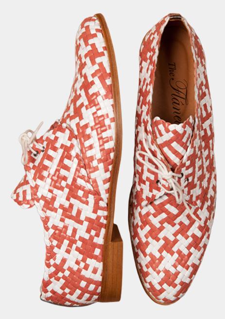 Zapatos Oxford trenzados a mano de la marca The Flâneuse