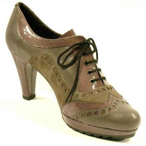 Zapatos de ante y charol de la marca de calzado Durá y Durá