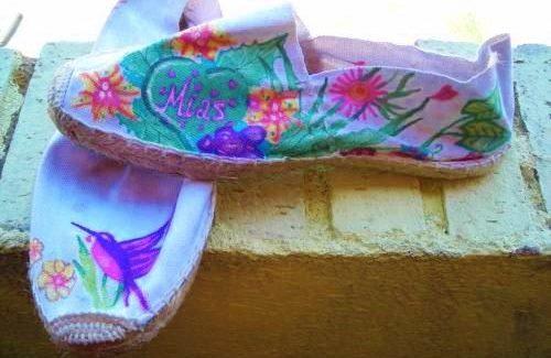 Alpargatas customizadas por Bayon Arts