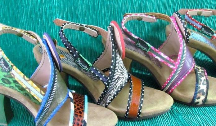 Sandalias muy originales y divertidas de PIsaverde