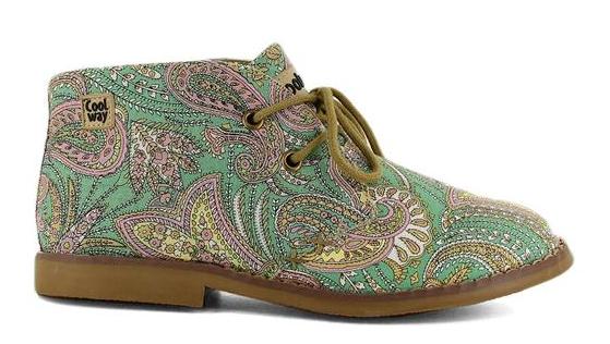 Botines muy originales de la marca de zapatos Coolway con estampado