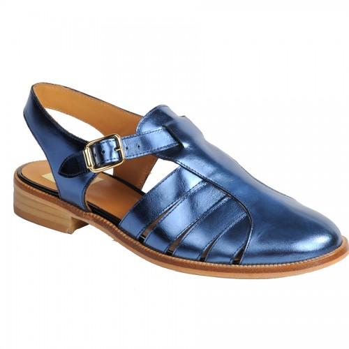 Sandalias de piel azul metalizada de la marca de Elda Ana Matt