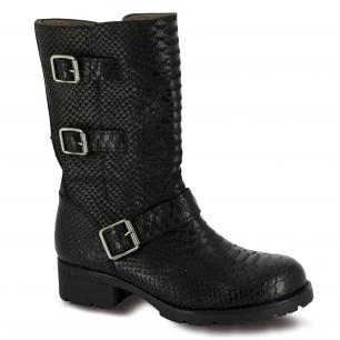 Botas muy rockeras de la nueva colección de zapatos de la marca Wonders