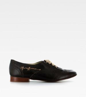 Zapatos de la marca De flores y floreros que podréis comprar en su outlet