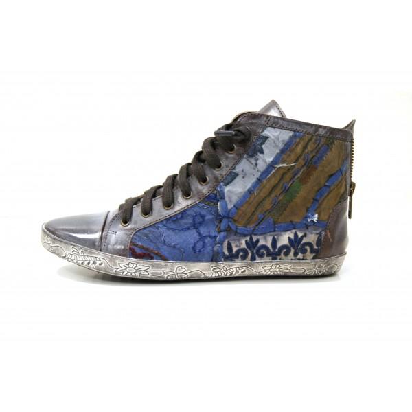 Originales sneakers de una marca de zapatos de Elche todavía por desvelar