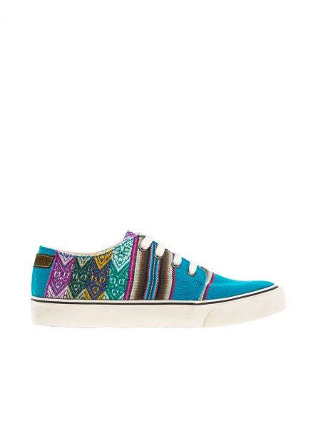 Originales zapatillas con estampado kilim de los Andes