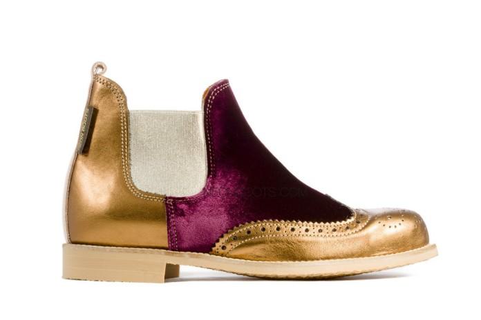 Botas de Neon Boots originales y gritando ¡Beatles a mí!