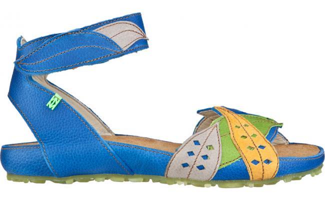 Sandalias de la marca El Naturalista. ¡Buscad en la Guía!